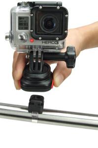Action Kameras werden immer beliebter. Mit dem richtigen Adapter können sie am Helm oder dem Rad befestigt werden.