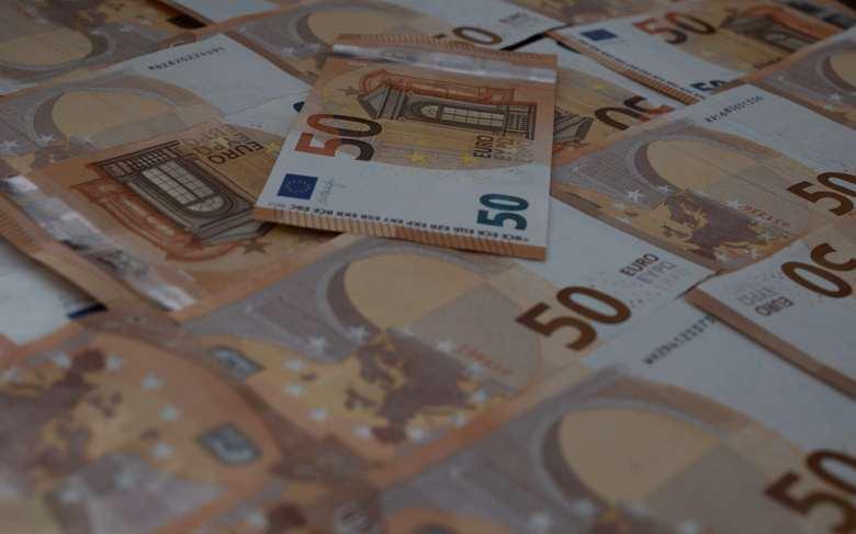 schnelles Geld viel Geld 50 euro scheine
